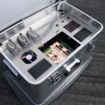 Anschlüsse auf der Oberseite: Lichtschranken links/rechts, Ampel, Spannungsversorgung für die Lichtschranken, USB, Netzwerk sowie 2 Thermalprinter